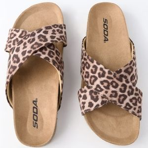 Reilly Cheetah Print Flat Sandals Size 7.5 NWOT